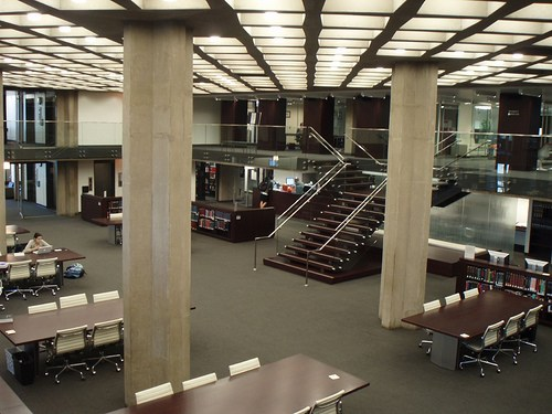 Laje Nervurada pelo mundo - D'Angelo Law Library - Escada
