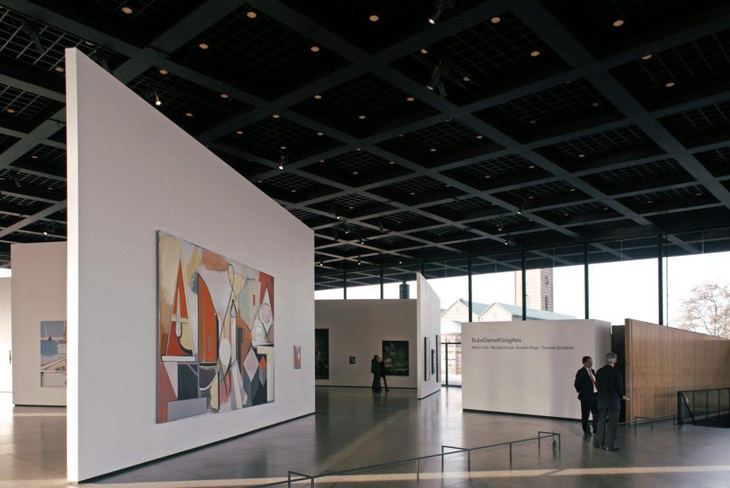 Interior do pavilhão superior da Nova Galeria Nacional de Berlim - Neue Nationalgalerie